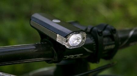 Test: Blackburn Central Micro 350 – malé svetlo sveľkým potenciálom