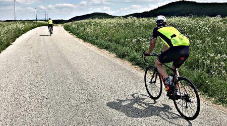 Cestné bicykle z vrchnej časti ponuky – jazda bez kompromisov