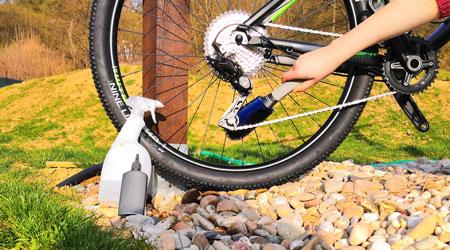 Doplnky pre čistenie a starostlivosť, alebo ako udržať bike pojazdný