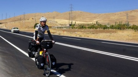 Cesta okolo sveta na bicykli pokračuje. Irán, Turkmenistan, Uzbekistan