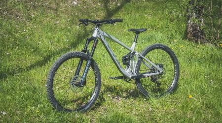 """Test: CTM Scroll Pro 29"""" – kvalitný enduro bicykel zdomácej produkcie"""