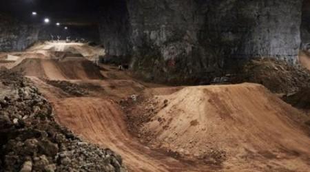 Mega Underground Bikepark 30 metrov pod zemou