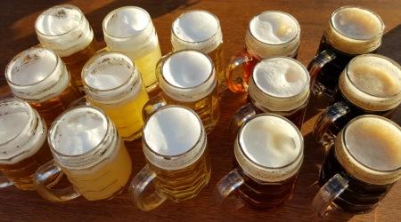 Alkohol na bicykli – môžeme sa počas výjazdu zastaviť na pivo?