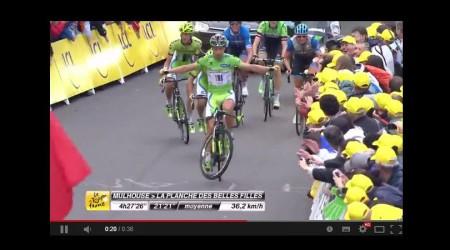 Parádna fintička Petra Sagana pri výhre bodovacej prémie v 10. etape na Tour de France 2014