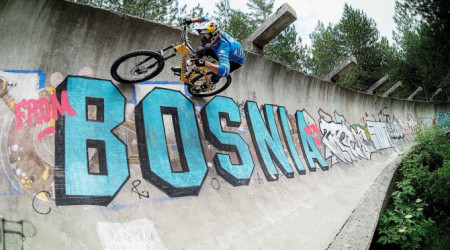 Video: Bobová dráha v Sarajeve našla opäť využitie