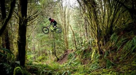Ako skákať vysoko a ďaleko v zjazde