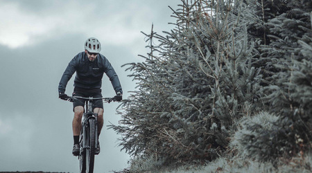 Výbava na jar vhodná pre športovú cyklistiku
