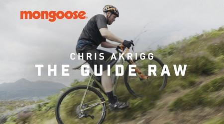 """Video: Chris Akrigg opäť posúva hranice, tentoraz """"adventure"""" kategórie bicyklov"""