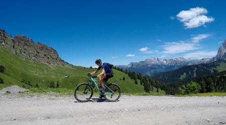 Základné kúsky letného šatníka -  čo by nemalo chýbať žiadnej bikerke?