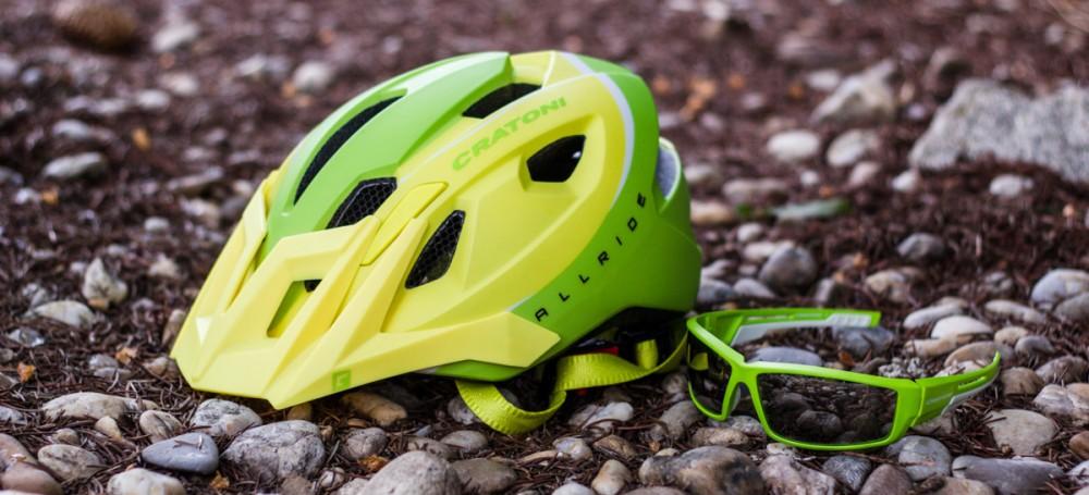 Test: Ľahká AM prilba Cratoni AllRide a okuliare Cratoni Raw - nie len pre tých, ktorí chcú na biku dobre vyzerať