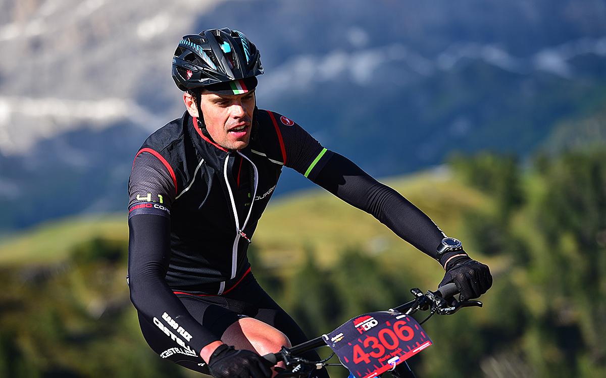 Test: Alpina Valpalora XC -  ľahká prilba pre poriadne kopce ale aj výživné zjazdy