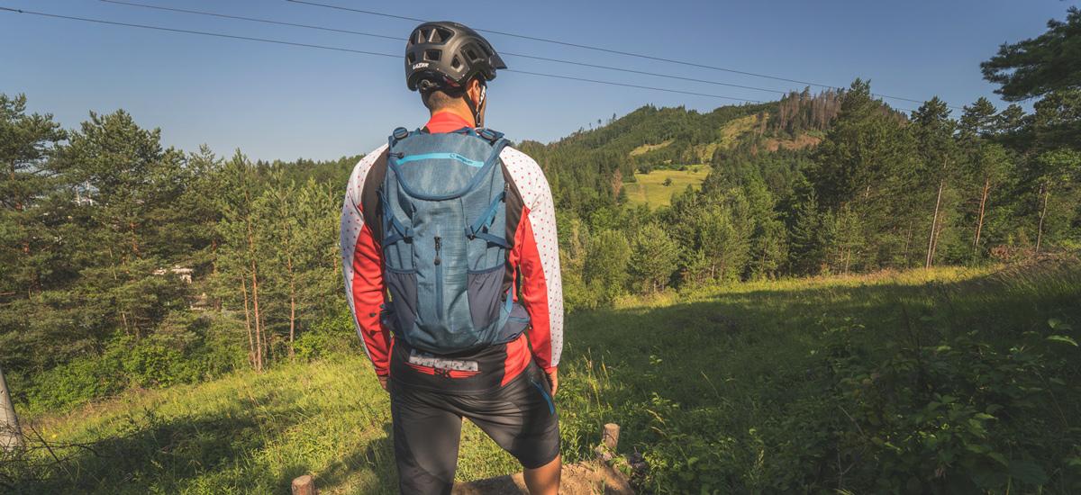 Test: AMPLIFI Hex Pack 10 - univerzálny batoh s chráničom chrbtice