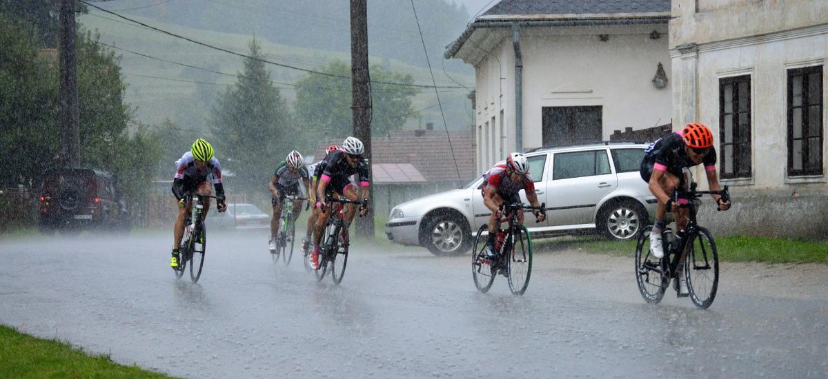 Na cesťáku v daždi - čo si obliecť - 1. časť