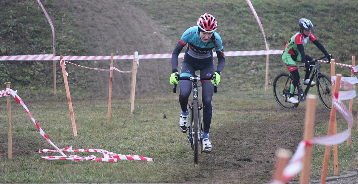 """Reportáž: Majstrovstvá Slovenska v cyklokrose 2015 alebo, ako sa aj na """"favoritke"""" dá"""