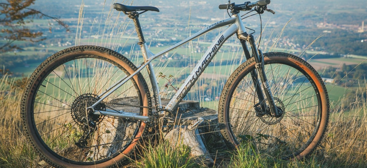 Test: Rock Machine Torrent 90-29 - na pomedzí cross-country a trailu