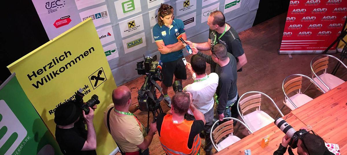 Súťažný návrat Petra Sagana do sedla horského bicykla sa skončil pádom a predčasným odstúpením