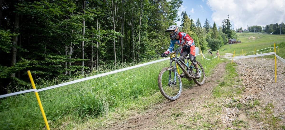 Reportáž: Slovenský pohár v zjazde - začiatok súťažného pretekania vo Veľkej Rači
