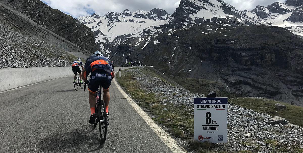 Reportáž: 150 km a 4 000 výškových metrov plných radosti aj bolesti v podaní Granfondo Stelvio 2018