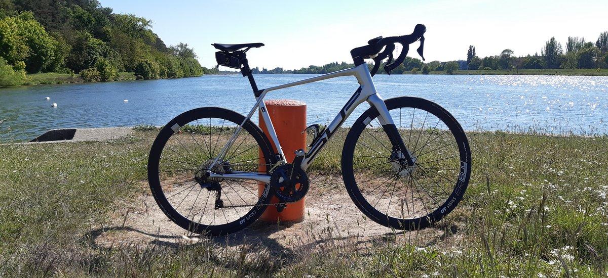 Test: Superior X-Road Team Issue – ďalší hltač nudných kilometrov?