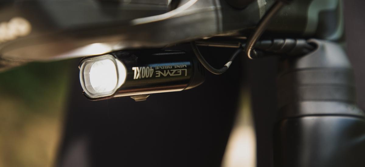 6 dôvodov, prečo by ste mali na bicykli používať svetlá aj počas dňa