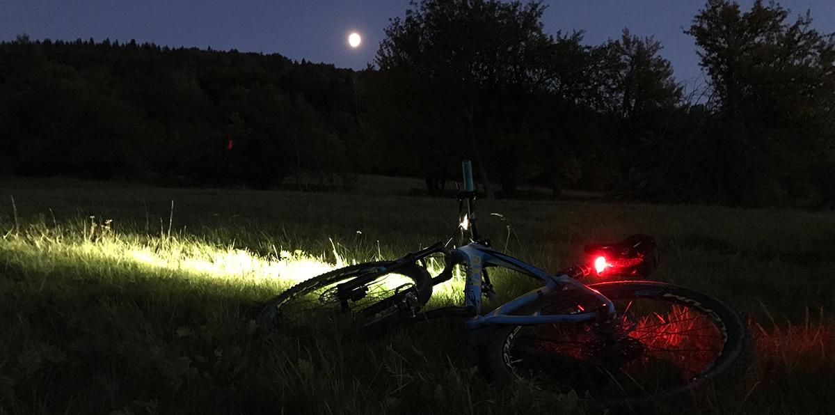 Dojazdové svetlá  – kompaktné, a pritom výrazne zvyšujúce vašu bezpečnosť