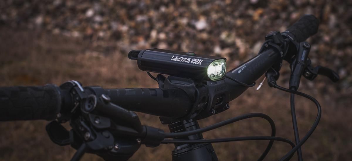 Test: Lezyne Micro Drive Pro 650 XL – šikovné svetlo s diaľkovým ovládaním