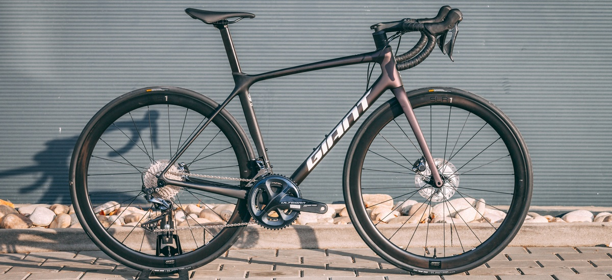 Unboxing: Giant TCR Advanced Pro 1 Disc King of Mountain 2021 - dobrá ponuka