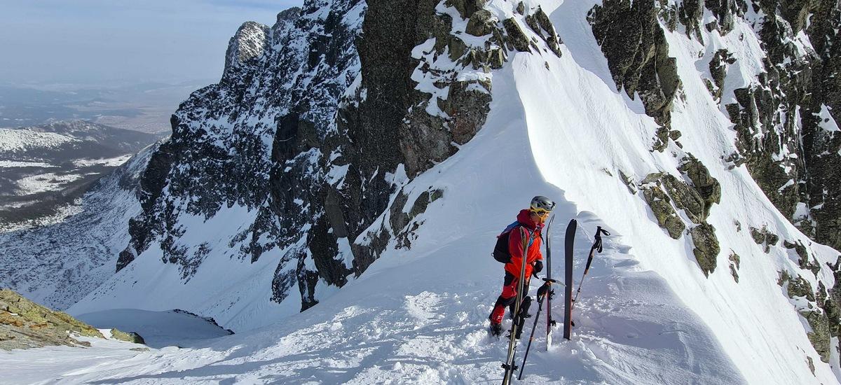 Baranie sedlo vo Vysokých Tatrách - hranica dolín vo výške  2 393 m n.m.