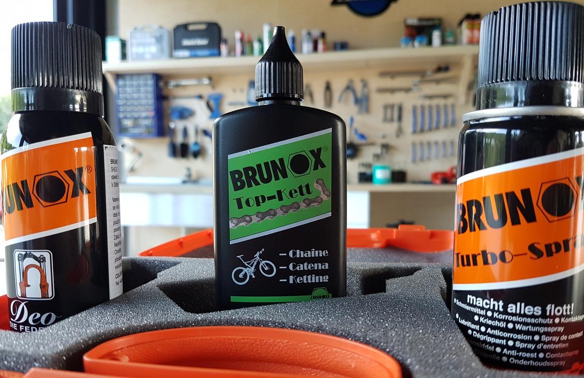 Test: Darčekové balenie Brunox - sada mazania na údržbu v praktickom kufríku