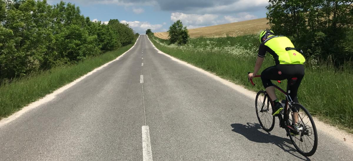 Cestné bicykle do 1 000 € - na tréning a pre začiatočníkov