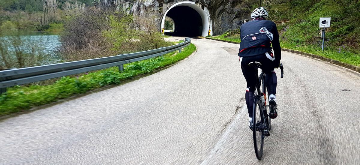Cestné bicykle v kategórii do 1 400 € - skutočne kvalitný základ