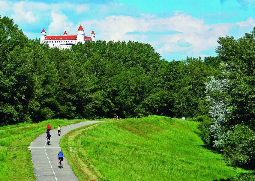 Recenzia: Kniha Najkrajšie cyklotrasy - Bratislava a okolie