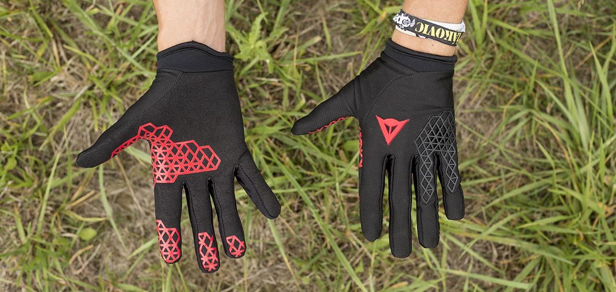 Letné rukavice -  znamenajú ochranu a komfort