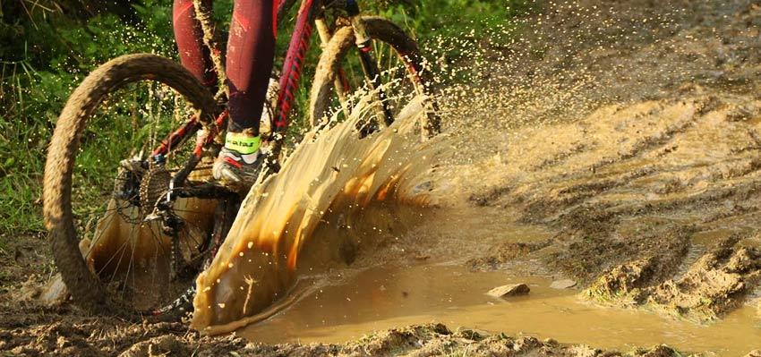 Reportáž: Dema 12 hodín MTB - Blato, blato a blato