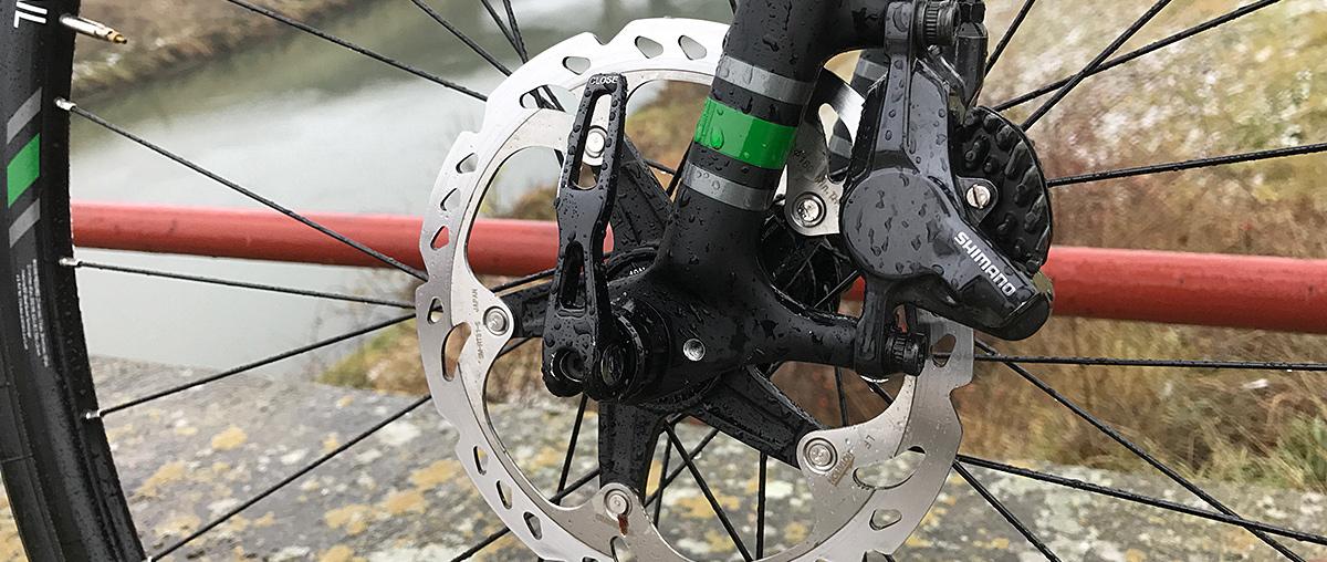 Cestné bicykle na kotúčových brzdách do 2 500 € - už je naozaj z čoho vyberať