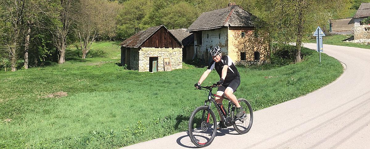 Dokážu moderné technológie vcyklistike spájať ľudí vkaždom veku?