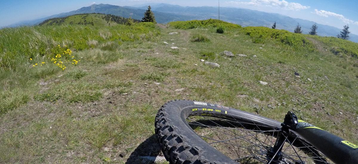 Celoodpružené bicykle do 4 000 € pre all-mountain a enduro
