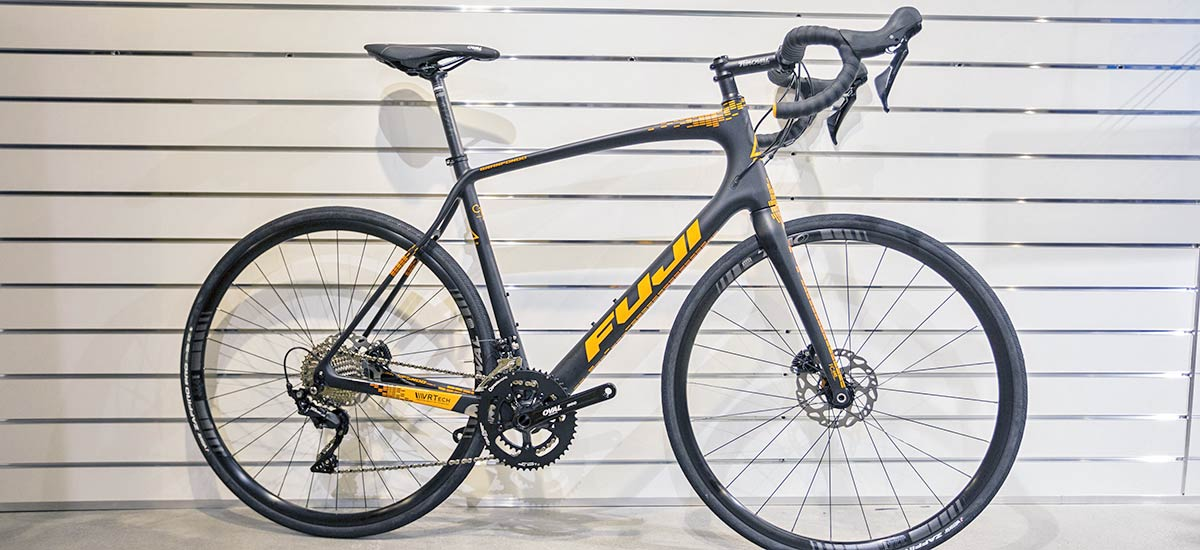 Unboxing: Fuji Gran Fondo 1.5 Satin Black/Orange 2019 - objavte komfort