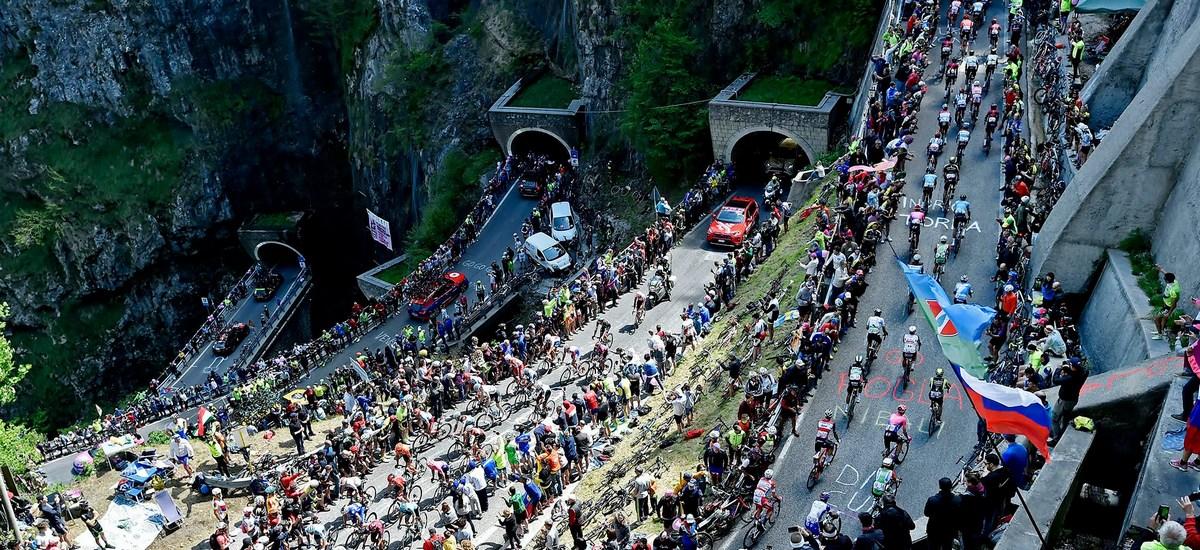 Sumár Giro d'Italia 2019 – debutové víťazstvá aprekvapenie na záver