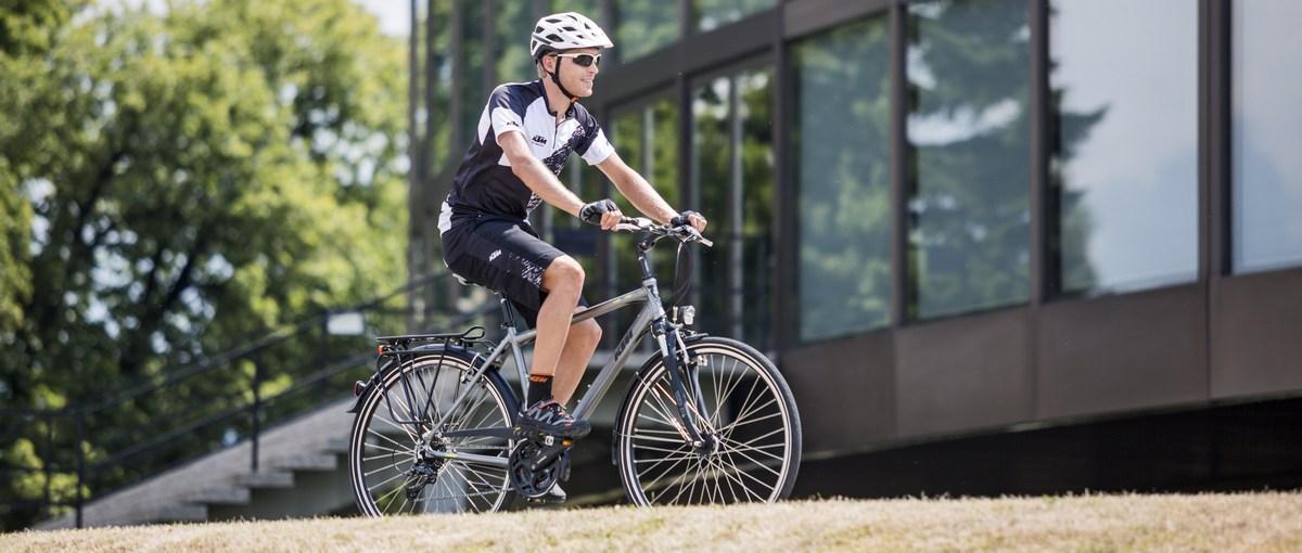 Čo je rýchlejšie? Jazda autom, v MHD alebo na bicykli?