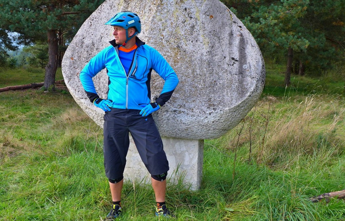 Test: Polaris bunda a dres ako stvorené pre únik od všedného života