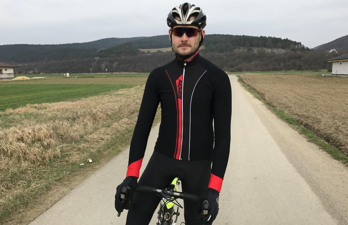 Test: Zateplený dres Santini Vega Acquazero, bunda do sychravého a chladného počasia