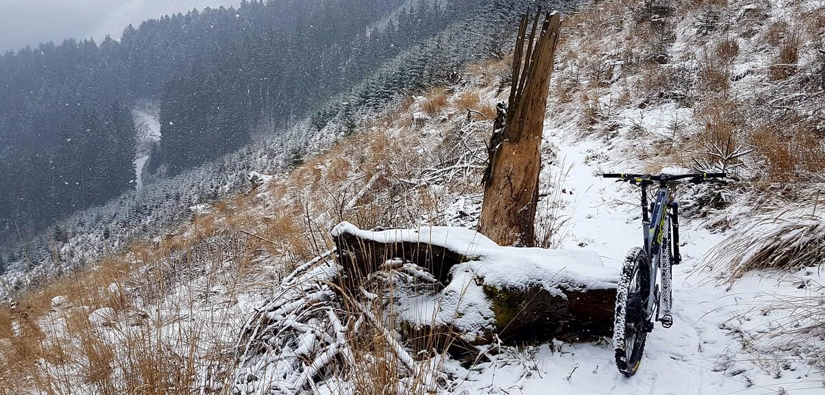 Výbava a tipy pre jazdenie v horách alebo ako si užiť zimný terén
