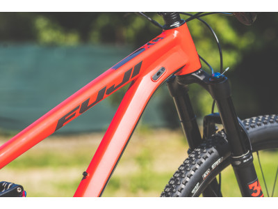 Fuji Rakan 29 1.1 XC Satin Red  - testovací model 2019
