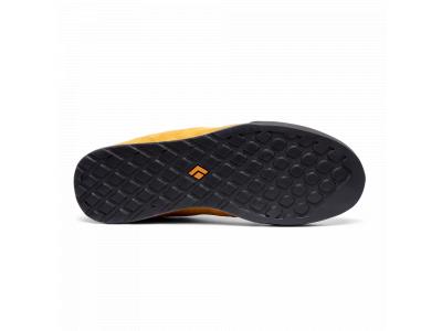 - farba: Amber-Carbon / Veľkosť : 40