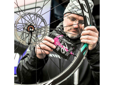 Muc Off No Puncture Hassle tmel 140 ml sáčok
